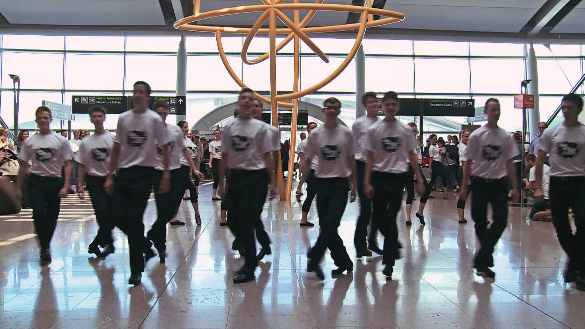 Flashmob At The Dublin Airport Smile Positive